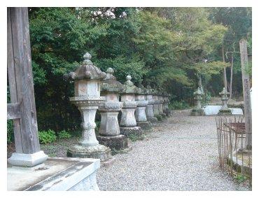 滝山寺 燈籠
